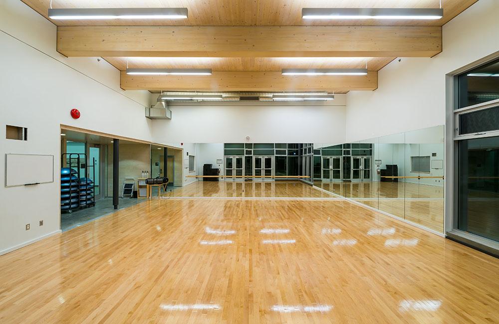 fitness studio, hangar fitness centre, facility