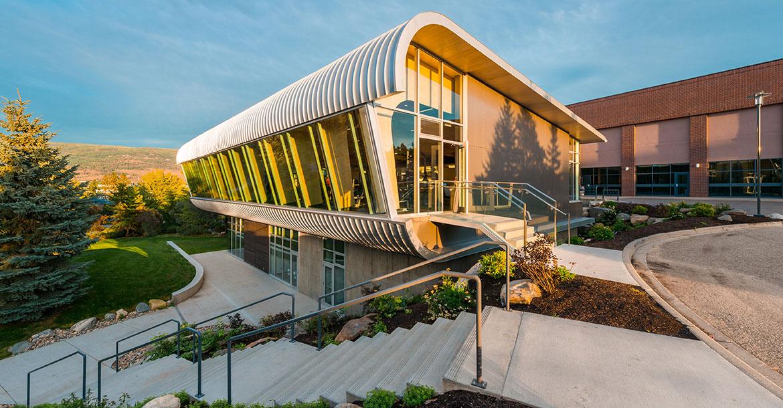 hangar fitness centre, building, outdoor, facility