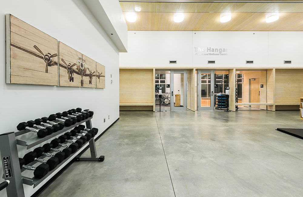 stretch and strength facility, hangar fitness centre