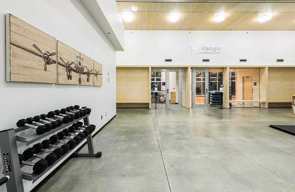 stretch and strength facility, hangar fitness centre